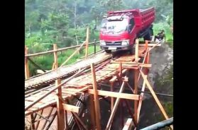 Truck Fails To Cross The River